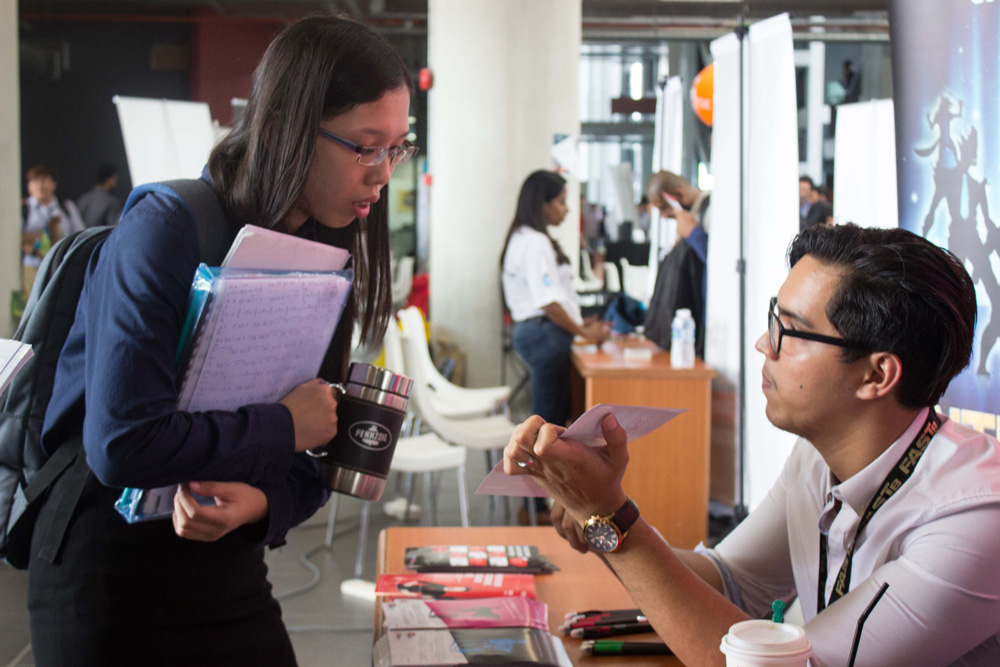 APU students learnt more about the opportunities available in the job market through the APU Mega Career Fair 2017