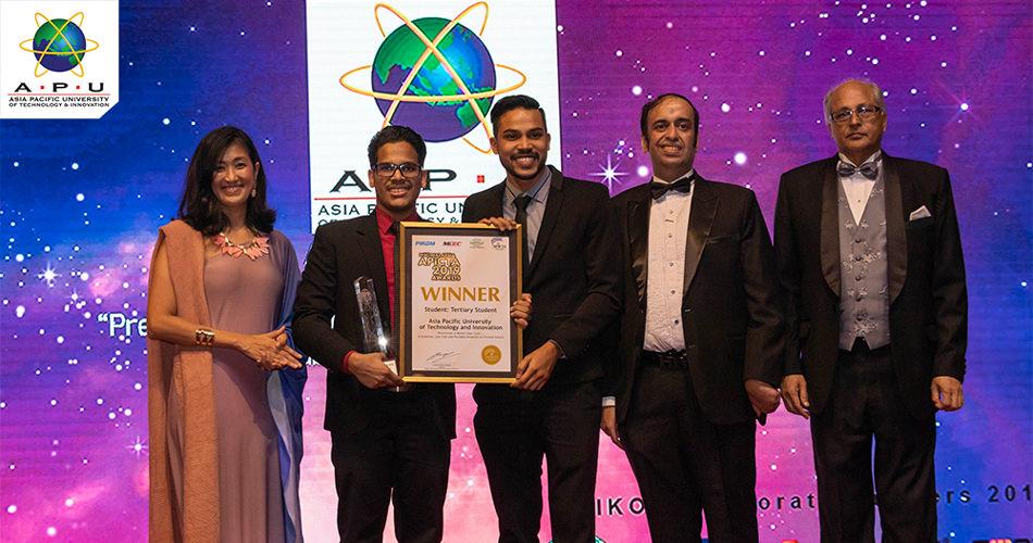 Members of the winning team of APU at PIKOM's APICTA Malaysia Awards 2019