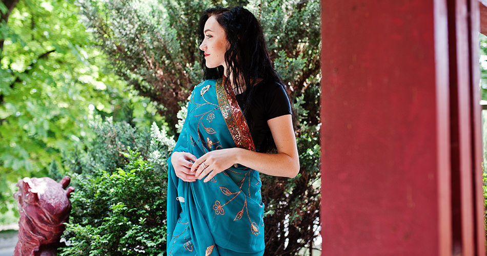 Rocking Yourself in a Saree: Guide to Picking the Ideal Drape