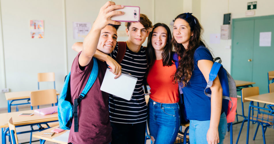 6 Tips for Making Friends as a Highschooler