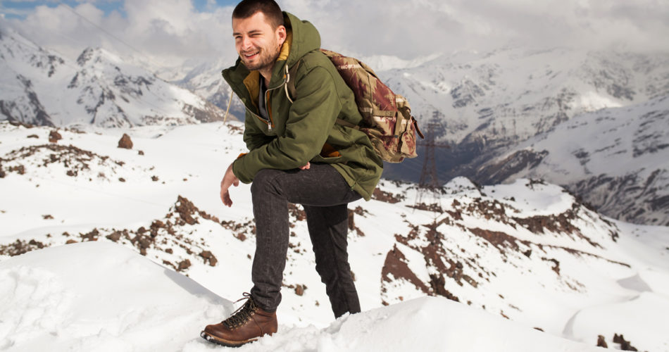6 Safety Tips to Remember When You Go Hiking in a Snowy Terrain