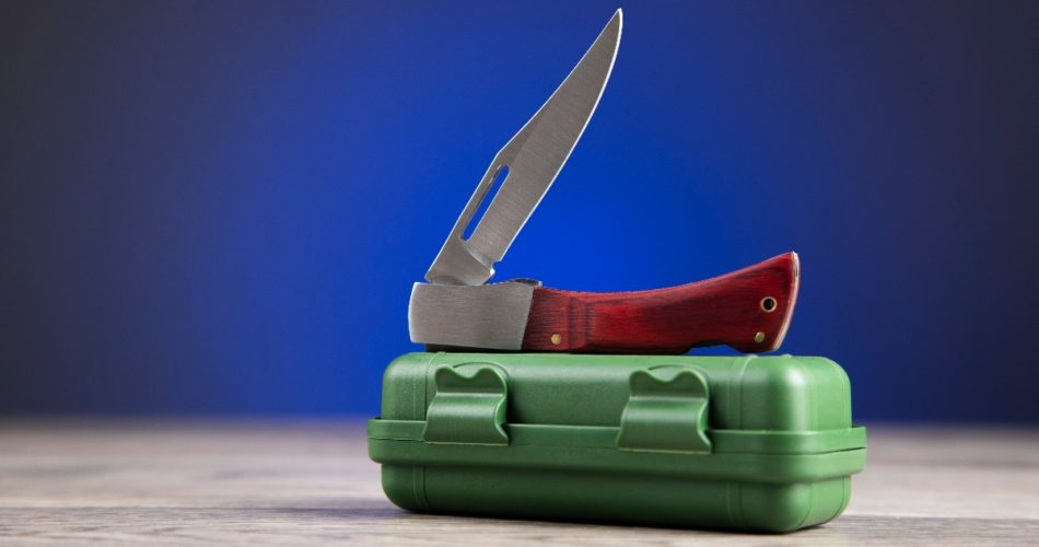 4 Things a Pocket Knife Can Help You With
