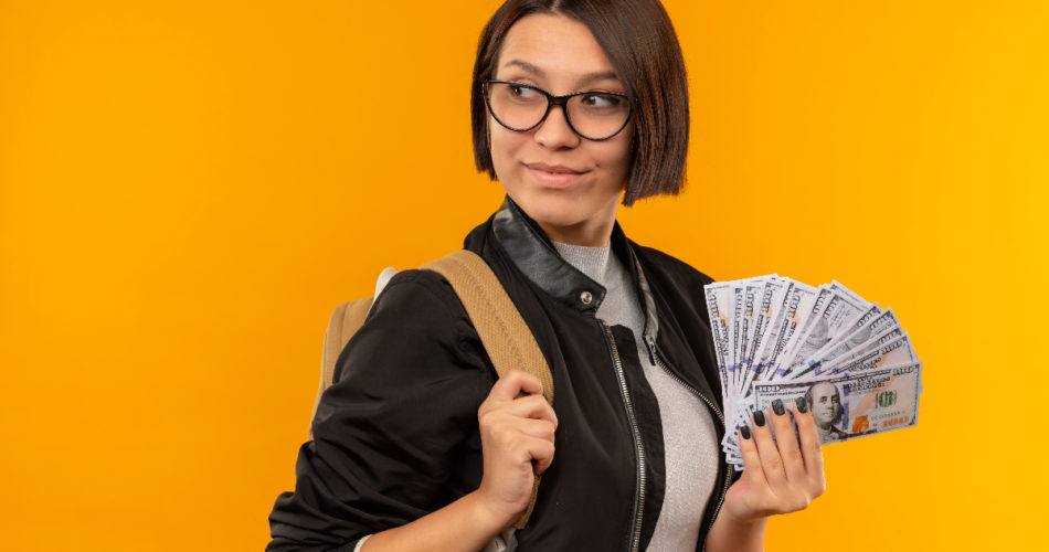 6 Ways for Students to Make Money Online