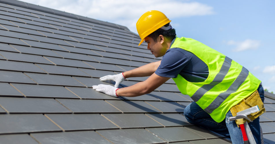 Signs That Your Roof Needs to Be Repaired Immediately