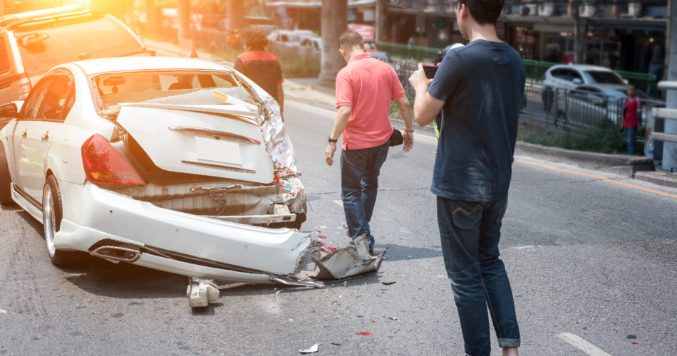 How to Properly Deal With a Road Accident: Find Out Here