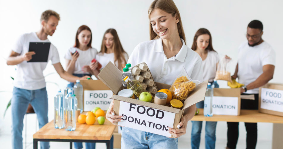 6 Psychological Benefits of Donating and Helping Others