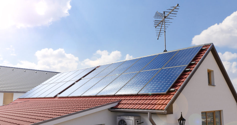 More Homeowners Are Going Solar - Here's Why You Should, Too