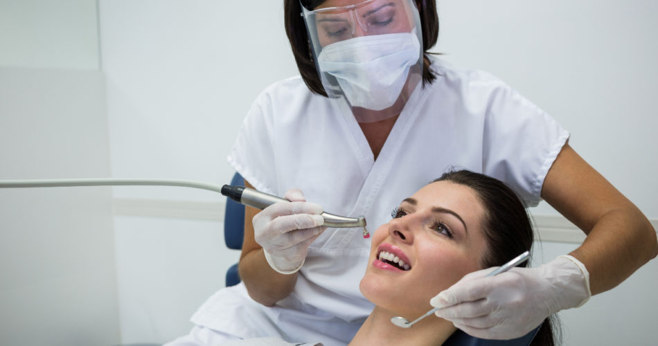 Thinking of Getting Dental Implants? Here's What You Should Know